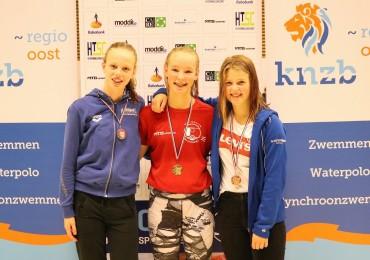 Iris Timmermans Overijssels Kampioen op de 50 en 400  vrije slag